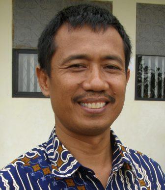 Drs. Maulana Hasanudin